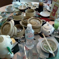 Photo taken at MK by Phakaphon T. on 2/28/2012