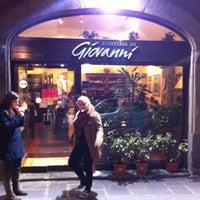 Foto scattata a L'Osteria Di Giovanni da Peter S. il 2/25/2012