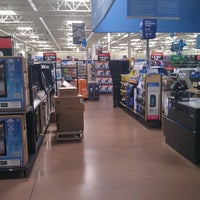 Photo taken at Walmart Supercenter by Rob Pat T. on 6/19/2012