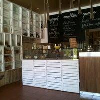 Foto scattata a Puro & Bio da Giacomo D. il 6/16/2012