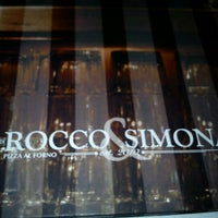 Photo prise au Rocco & Simona Pizza al Forno par David S. le5/19/2012