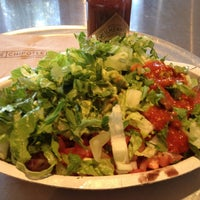 Photo taken at Chipotle Mexican Grill by Roger M. on 6/16/2012