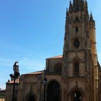 Снимок сделан в Catedral San Salvador de Oviedo пользователем M G. 8/13/2012