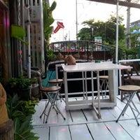 Photo taken at ร้านดอกไม้อากู๋ by Yiacoei M. on 7/10/2012