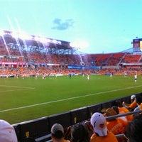 รูปภาพถ่ายที่ BBVA Compass Stadium โดย Hector M. เมื่อ 7/16/2012