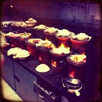 Photo taken at Huen Kee Claypot Chicken Rice by Yeh 😍⚽🏀🍻🍔🍱🍣😍 on 8/5/2012