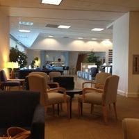 Photo taken at British Airways Terraces Lounge by S N I L L U M on 2/18/2012