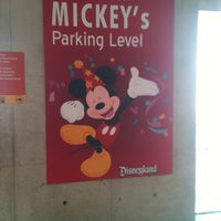6/3/2012에 Miss M님이 Mickey & Friends Parking Structure에서 찍은 사진