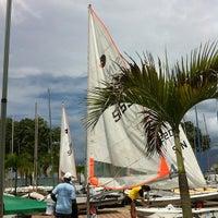 Das Foto wurde bei National Sailing Centre von ,7TOMA™®🇸🇬 S. am 7/15/2012 aufgenommen