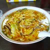 Photo taken at 朱華飯店 小田原店 by keizi on 6/25/2012