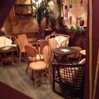 2/14/2012 tarihinde Petri L.ziyaretçi tarafından Navy Jerry's Rum Bar'de çekilen fotoğraf