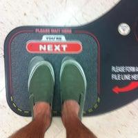 รูปภาพถ่ายที่ Walgreens โดย Lonnie 2. เมื่อ 8/4/2012