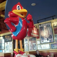 Photo taken at Red Robin Gourmet Burgers by Charlie P. on 6/8/2012