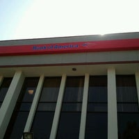 Photo taken at Bank of America by CLAYTON   🇺🇸📷🎨🎬🌴♂🇺🇸 T. on 4/8/2012