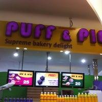 Photo taken at Puff & Pie by Datsakorn S. on 5/17/2012