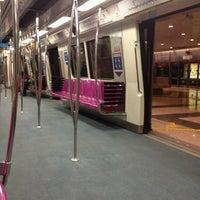 Photo taken at Marina Bay MRT Interchange (NS27/CE2) by Totsky J. on 6/28/2012