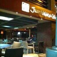 Foto tomada en Juan Valdez Café por David P. el 4/7/2012