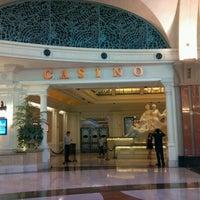 Foto diambil di Niagara Fallsview Casino Resort oleh Andrea B. pada 7/21/2012