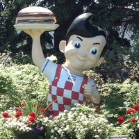 Photo taken at Big Boy by chelle t. on 7/8/2012