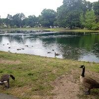 รูปภาพถ่ายที่ Saddle River County Park - Wild Duck Pond โดย Joni L. เมื่อ 8/11/2012