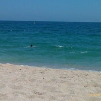 Photo taken at Platja de Sant Simó by Noe E. on 7/19/2012