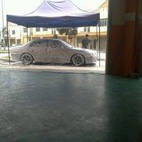 Photo taken at Matahari Car Wash by Tarmizi W. on 8/15/2012