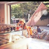 Photo taken at Fresko Yogurt Bar by 희경 김. on 7/25/2012
