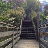 Снимок сделан в Filbert Steps пользователем Caitlin E. 8/24/2012
