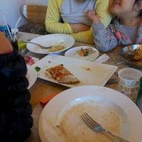 Photo taken at 피자 굽는 언니 by eun s. on 3/9/2014