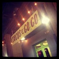 Foto scattata a Tacos A Go-Go da Joshua J. il 9/28/2012