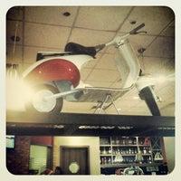Foto diambil di Mr. Jack's oleh Leonardo A. pada 12/7/2012