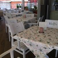 6/16/2014 tarihinde 💛💙Aishe G.ziyaretçi tarafından Vanilla Patisserie&Cafe'de çekilen fotoğraf
