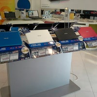 Photo taken at Calosa IT Store by Andre A. on 12/21/2013