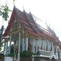 Photo taken at วัดพระยาญาติ (ปากง่าม) by Thunyaporn H. on 9/4/2014