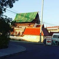 Photo taken at วัดปิตุลาธิราชรังสฤษฎิ์ (วัดเมือง) by Thunyaporn H. on 12/31/2015