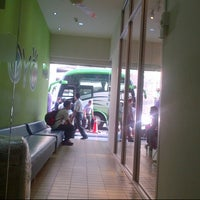 Photo taken at Yoyo A Bus Express S/B ( New Town Ipoh) by Lvin Y. on 1/27/2013