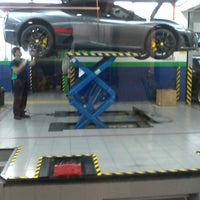 Photo taken at Era Maju Automobil by Hakim H. on 4/21/2014