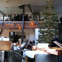 Foto tomada en Zuni Café por Chad M. el 12/26/2012