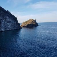 Photo taken at Hoynat Adası by Bahriye Ş. on 11/27/2017