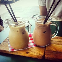 Foto scattata a Cafe de France da Shadiyah L. il 1/17/2015