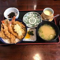 Photo taken at 味くらべ by Eiko S. on 3/25/2018
