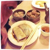 Photo taken at Ocean Pearl Restaurant by Leland W. on 4/7/2014