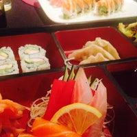 Das Foto wurde bei Sushi House von Mark T. am 2/15/2014 aufgenommen