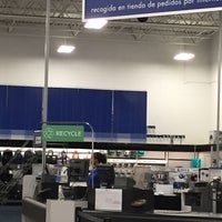 Photo taken at Best Buy by Mary on 4/21/2015