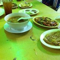 Photo taken at Rejab - Tomyam & Seafood by Deen Yusop on 1/5/2013