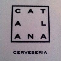 Foto tomada en Cerveseria Catalana por Gaby B. el 12/19/2012