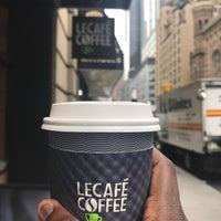 Foto tirada no(a) Le Café Coffee por Adajah C. em 6/23/2017