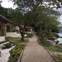 Photo taken at Sumilon Bluewater Island Resort by Sara K. on 1/15/2018