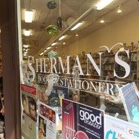 10/7/2017에 Ami H.님이 Sherman's Books and Stationery에서 찍은 사진