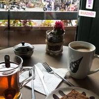 4/7/2018 tarihinde Salih Y.ziyaretçi tarafından Kropka Coffee&Bakery'de çekilen fotoğraf
